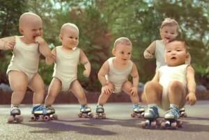 Image des bébés publicité Evian